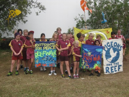 Reef walk 2013: Year 4,5,6,7 Rollingstone Primary School, 20 June 2013
